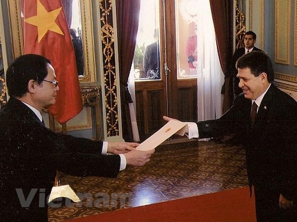 Tong thong Paraguay ca ngoi su phat trien cua Viet Nam hinh anh 1