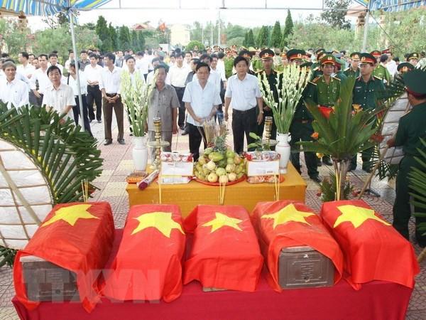 Day manh tim kiem hai cot liet sy Viet Nam o Campuchia hinh anh 1