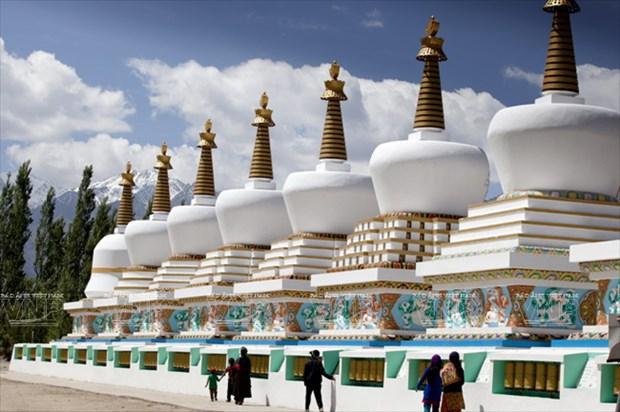 Hanh huong Thanh dia Ladakh: Ve dep hoang da va than bi hinh anh 4