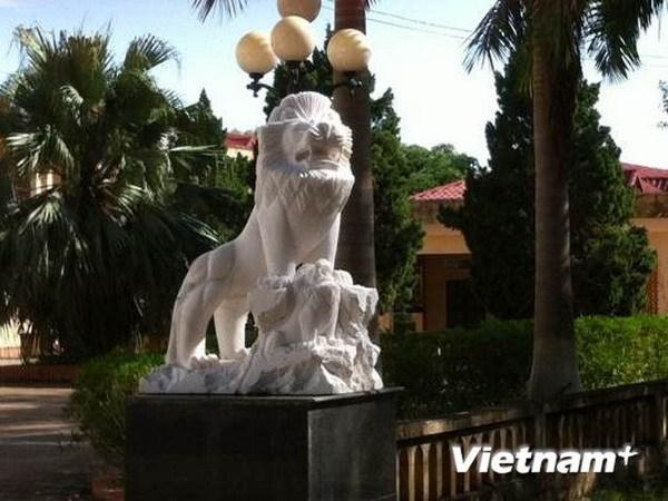 Thai Binh loai bo linh vat ngoai lai khoi di tich Den Tran hinh anh 1