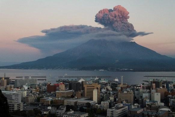 Nui lua Sakurajima o Nhat Ban da bat dau dot phun trao nho hinh anh 1