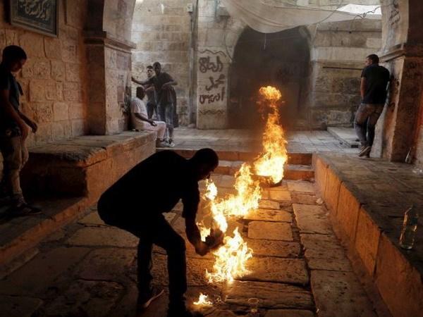 Canh sat Israel va nguoi Hoi giao o Jerusalem dung do ngay thu 3 hinh anh 1