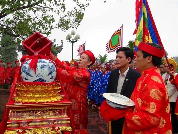 Le hoi den Tran Nam Dinh: Phuc dung nghi le Ruoc kieu Ngoc Lo hinh anh 1
