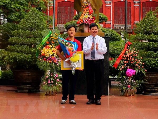 Nha vo dich Duong len dinh Olympia: Hoc tap khong phai vi diem so hinh anh 1