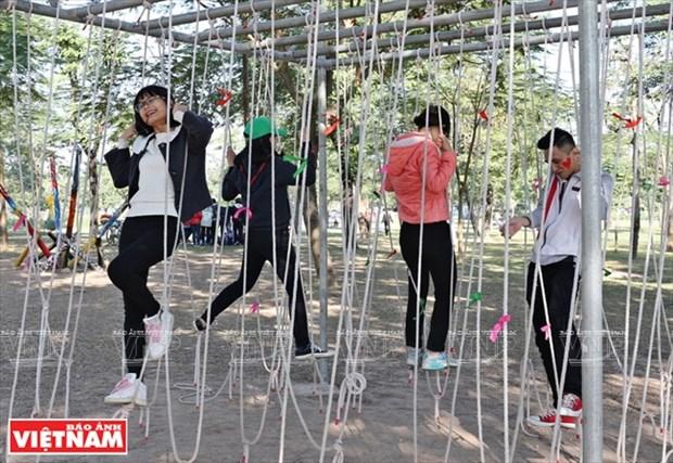 Nhom Think Playgrounds va giac mo san choi mien phi cho tre hinh anh 3