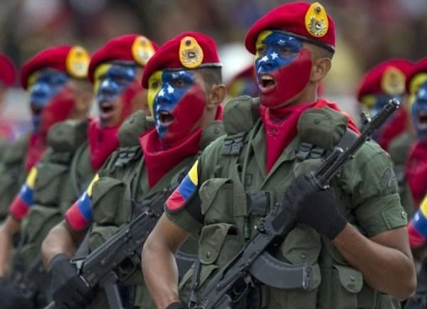 Venezuela dien tap quan su doi pho cac moi de doa tu ben ngoai hinh anh 1