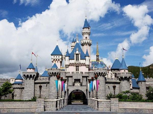 Mot buu kien kha nghi ngay tai Cong vien Disneyland Hong Kong hinh anh 1