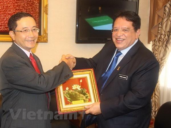 Tong thu ky UMNO danh gia cao quan he hop tac voi Viet Nam hinh anh 1