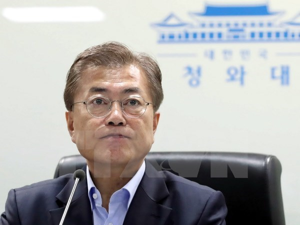 Han Quoc: Tong thong Moon Jae-in duoc tin nhiem cao ky luc hinh anh 1