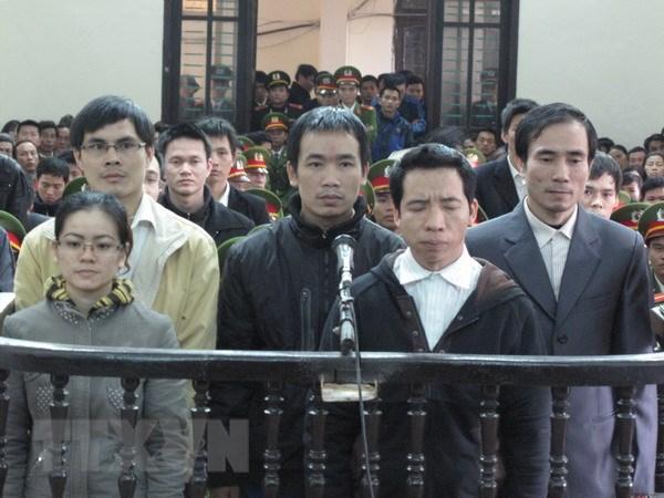 Nguyen Van Oai linh 5 nam tu ve toi chong nguoi thi hanh cong vu hinh anh 1