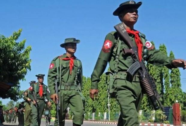 Myanmar: Hang nghin nguoi tuan hanh de ung ho quan doi hinh anh 1