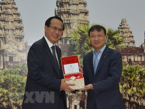 Viet Nam-Campuchia tang quan he hop tac thuong mai bien gioi hinh anh 1