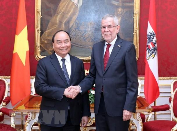 Thu tuong Nguyen Xuan Phuc chao xa giao Tong thong Cong hoa Ao hinh anh 1