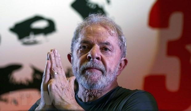 Brazil: Cuu Tong thong da Silva doi mat cao buoc tham nhung moi hinh anh 1
