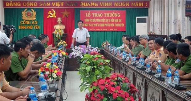Mot cu ba hon 80 tuoi cung tham gia vu danh bac tai Phu Yen hinh anh 1