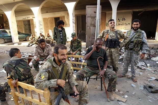 Libya: Cac nhom phien quan nhat tri ngung giao tranh o Nam Tripoli hinh anh 1