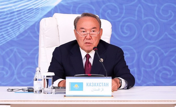 Tong thong Kazakhstan giai tan chinh phu do that bai kinh te hinh anh 1