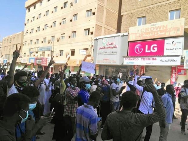 Sudan: Bieu tinh chong chinh phu tiep tuc dien bien phuc tap hinh anh 1