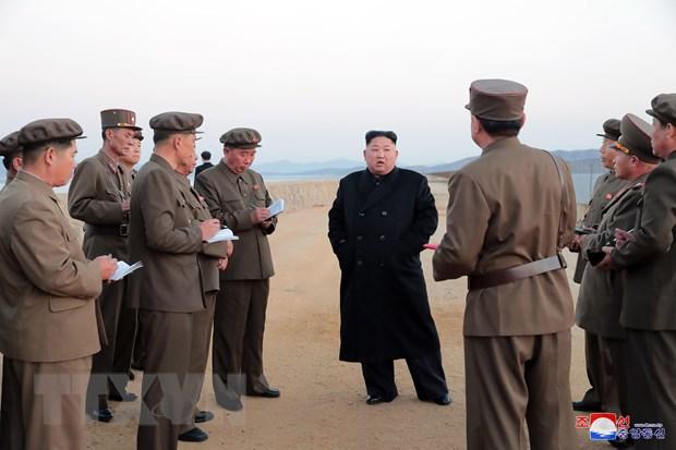 Nha lanh dao Trieu Tien Kim Jong-un thi sat mot don vi khong quan hinh anh 1