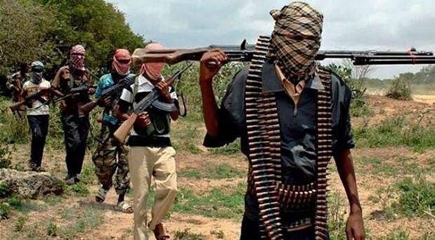 Boko Haram tan cong, cuop vu khi tu mot chot quan su o Nigeria hinh anh 1
