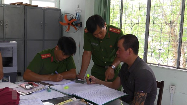 Binh Duong: Tam giu ba doi tuong cho vay nang lai, thu loi bat chinh hinh anh 2