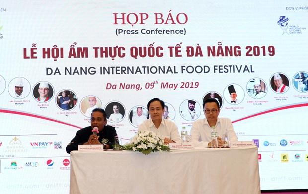 14 dau bep the gioi trinh dien o Le hoi am thuc quoc te Da Nang 2019 hinh anh 1