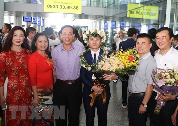 Em Trịnh Duy Hiếu, học sinh lớp 12, Trường Trung học phổ thông chuyên Bắc Giang, tỉnh Bắc Giang đạt Huy chương Bạc. (Ảnh: Thanh Tùng/TTXVN)