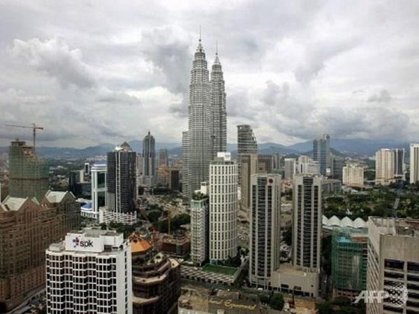 Dien chia buon Quoc vuong thu 7 cua Malaysia qua doi hinh anh 1