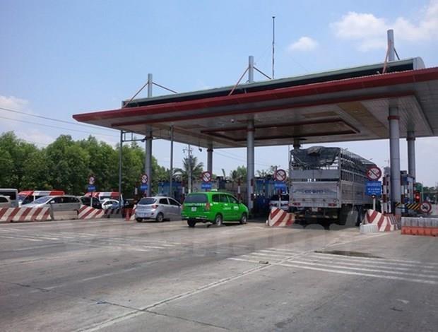 Quang Ninh: Tranh tram thu phi, xe tai trong lon di vao noi thi hinh anh 1