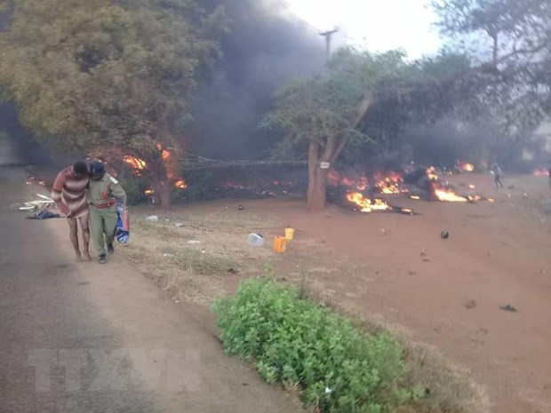 Tanzania: So nan nhan chet trong vu no xe cho dau tang len 85 nguoi hinh anh 1