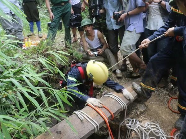 Thanh Hoa: Ngat khi duoi tang ham khach san, hai cong nhan tu vong hinh anh 1