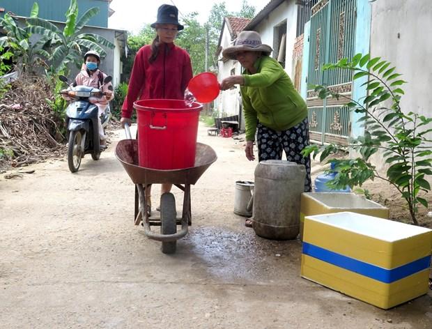 Nang nong keo dai tai Quang Ngai, nhieu ho dan 'khat' nuoc sach hinh anh 2