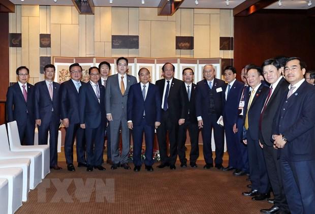 Thu tuong Nguyen Xuan Phuc tiep Pho Chu tich Tap doan Samsung hinh anh 2