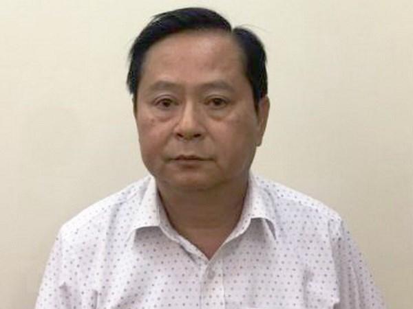 Nguyen Pho Chu tich UBND TP.HCM Nguyen Huu Tin sap hau toa hinh anh 1