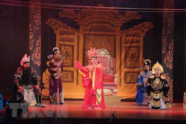 San khau cai luong: Gian nan tim cho dung trong long khan gia hinh anh 2