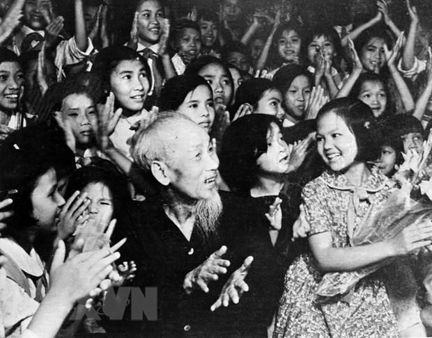 10 ca khuc hay nhat ve Chu tich Ho Chi Minh lam lay dong nguoi nghe hinh anh 1