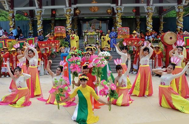 Le hoi via Ba Chua Xu nui Sam - Net tin nguong tam linh vung Nam Bo hinh anh 2