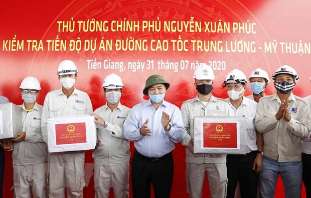 Thu tuong lan thu 3 kiem tra tien do cao toc Trung Luong-My Thuan hinh anh 2