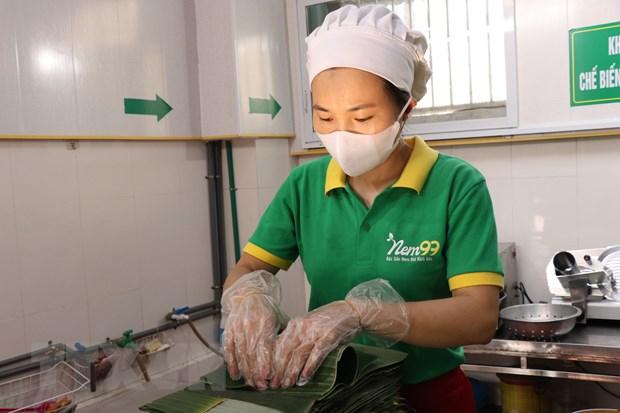 [Photo] Cac cong doan lam mon nem thinh - dac san Bac Ninh hinh anh 6