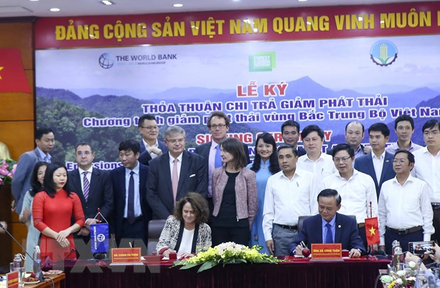 Viet Nam-WB ky Thoa thuan chi tra giam phat thai vung Bac Trung Bo hinh anh 2