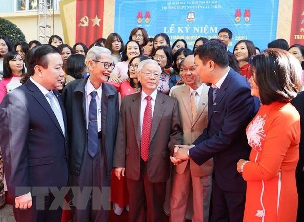 TBT, Chu tich nuoc du ky niem 70 nam thanh lap Truong Nguyen Gia Thieu hinh anh 1