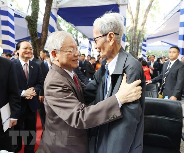 TBT, Chu tich nuoc du ky niem 70 nam thanh lap Truong Nguyen Gia Thieu hinh anh 3