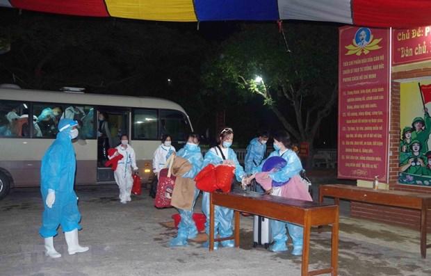 Dich COVID-19: Dua hon 240 cong dan Viet Nam tu Singapore ve nuoc hinh anh 1