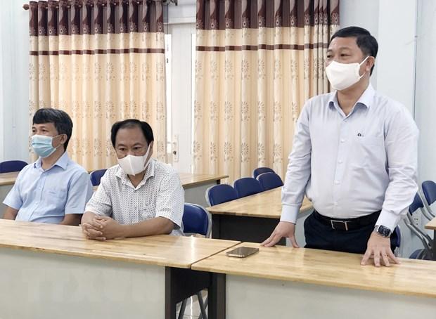 Ban giao xe kham benh luu dong phuc vu chong COVID-19 cho TP.HCM hinh anh 2