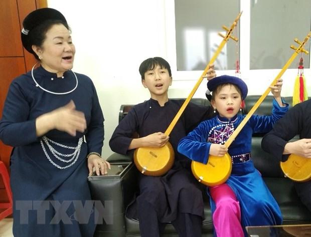 """Nguoi """"giu lua"""" nghe thuat hat Then, dan Tinh o Cao Bang hinh anh 2"""