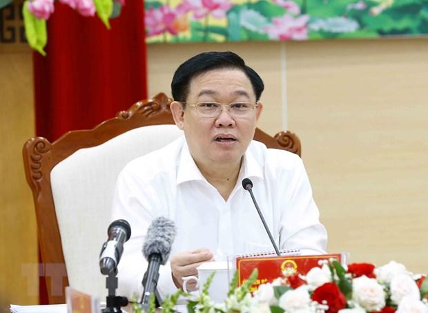 Chu tich Quoc hoi Vuong Dinh Hue kiem tra cong tac bau cu o Quang Ninh hinh anh 1