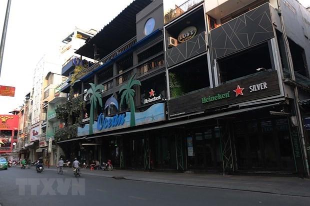 Dich COVID-19: Thanh pho Ha Long tam dung hoat dong karaoke, vu truong hinh anh 1