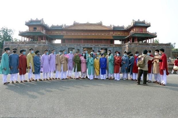 Thua Thien-Hue: Vua don khach du lich vua tang phong, chong dich hinh anh 1