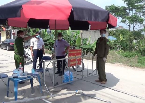 Hung Yen: Huyen Khoai Chau khan cap phong toa, gian cach ung pho dich hinh anh 1