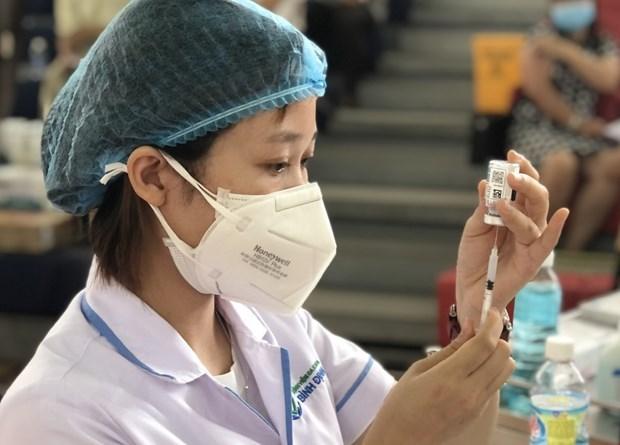 Nhung luu y sau khi tiem chung vaccine phong ngua COVID-19 hinh anh 1